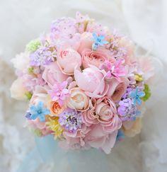 クラッチブーケ パレスホテル東京様へ ある日、暗がりに : 一会 ウエディングの花