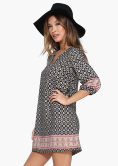 BOARDER PRINTED SHIFT DRESS
