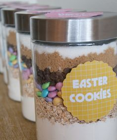 Homemade Easter Gifts - they say easter cookies, but they can be anytime cookies if you just change the color of the candies! Easter Cookies, Easter Treats, Easter Cake, Easter Eggs, Cookie Gifts, Food Gifts, Cookie Jars, Hoppy Easter, Easter Gift