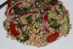 Salat plny proteinov a urobeny za minut a zasyti celu rodinu. Buckwheat, Grains, Rice, Gluten Free, Healthy Recipes, Vegan, Cooking, Glutenfree, Kitchen