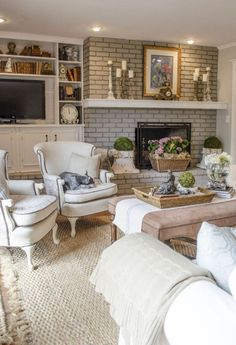Beautiful French Country Living Room Ideas (34)