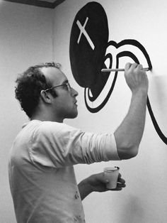 Arlington Museum of Art To Host 50 Original Keith Haring Works on Social Issues Jm Basquiat, Pittsburgh, Keith Allen, James Rosenquist, Keith Haring Art, Tv Movie, Kenny Scharf, Aids Awareness, Ecole Art