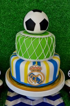 Real Madrid Soccer inspired party by Partylicious #realmadrid #soccer #boybirthday