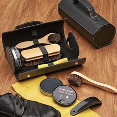 Compact Shoe Polishing Kit compact and complete