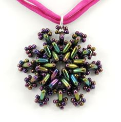 FREE CzechMates Triangle necklace pendant bead pattern: Point Taken by TrendSetter Kim Rueth