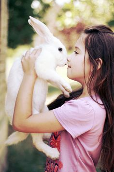Cute Naive Girl Close To White Rabbit iPhone se wallpaper Animals For Kids, Baby Animals, Cute Animals, Precious Children, Beautiful Children, Cute Baby Girl, Cute Babies, Somebunny Loves You, Amor Animal