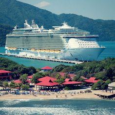 Caribbean paradise from ship to shore.