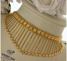 Gold Jewelry Simple, Gold Wedding Jewelry, Gold Rings Jewelry, Beaded Jewelry, Bridal Jewelry, Gold Earrings Designs, Gold Jewellery Design, Necklace Designs, Gold Choker Necklace