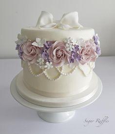 Hatbox birthday cake Cake by thehandcraftedcake Cakes Cake