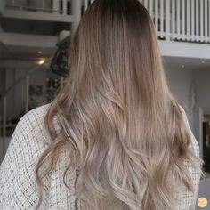 Neutral Blonde Hair, Blond Beige, Beige Blonde Balayage, Beige Hair, Dark Blonde Hair Color, Honey Blonde Hair, Bronde Hair, Bayalage, Pelo Chocolate