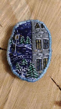 """Броши ручной работы. Ярмарка Мастеров - ручная работа. Купить Брошь текстильная с вышивкой """"В зимнем парке"""". Handmade."""