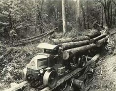 Mack AC classic loaded with logs