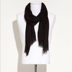 Zara black scarf It is an incredible item! I think the best is to take it in the bright sun in Malibu and the amazing blue green beach with black rocks. I love it because it is something that is so versatile. So it can all be used with everything! Walking your dog in Beverly Hills with this item can be so cool. It can be taken everywhere also! Bike riding in Venice is so stunning with it. I love it. Erewhon market in Calabasas will be good to take it. I adore it also. Buying it will be…