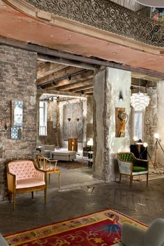 Glamour meets industrial loft