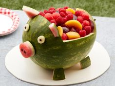 Food network recipes 545709679844280560 - Get Watermelon Pig Recipe from Food Network Source by Watermelon Carving Easy, Watermelon Fruit Salad, Watermelon Basket, Fruit Salads, Carved Watermelon, Watermelon Ideas, Jello Salads, Cute Food, Clean Eating Tips