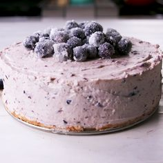 lemon blueberry mousse cake is the spring showstopper you've been looking for.This lemon blueberry mousse cake is the spring showstopper you've been looking for. No Bake Blueberry Cheesecake, Cheesecake Recipes, Dessert Recipes, Blueberry Cake, Sushi Recipes, Recipes Dinner, Breakfast Recipes, Just Desserts, Delicious Desserts