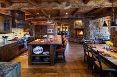 Rustic kitchen cabinet is a beautiful combination of country cottage and farmhouse decoration. Browse ideas of rustic kitchen design here! Design Case, Küchen Design, House Design, Design Ideas, Cabin Design, Design Trends, Layout Design, Design Inspiration, Log Home Kitchens