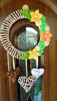 Recycled Magazine Crafts, Recycled Magazines, Diy Arts And Crafts, Hobbies And Crafts, Diy Crafts, Diy Flowers, Flower Decorations, Origami, Diy Y Manualidades