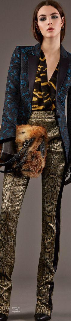 Roberto Cavalli Pre-Fall 2015 Fashion Show Fashion Week, Look Fashion, High Fashion, Fashion Show, Autumn Fashion, Fashion Design, Fashion Trends, Runway Fashion, Roberto Cavalli
