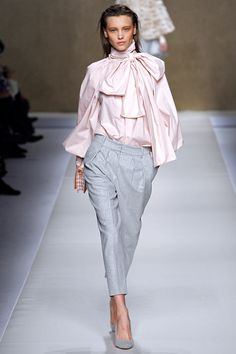 Blumarine Fall 2013 RTW - Review - Fashion Week - Runway, Fashion Shows and Collections - Vogue - Vogue