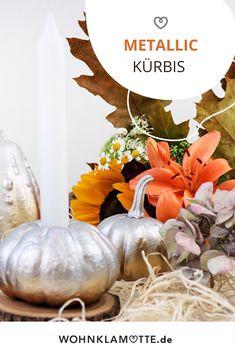 Wir haben in einem Halloween-DIY aus einem Kürbis einen stylischen Metallic Kürbis gezaubert! Table Decorations, Halloween, Diy, Home Decor, Autumn Decorations, Homes, Nice Asses, Ideas, Decoration Home