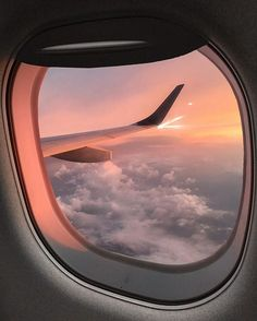 To travel is to live what is your next destination? - To travel is to live what is your next destination? Sky Aesthetic, Travel Aesthetic, Summer Aesthetic, Adventure Aesthetic, Airplane Window, Airplane View, Plane Window View, Airplane Photography, Travel Photography