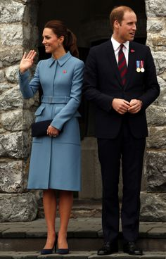 Royal Tour 2014 Photos: William And Kate Cuddle Puppies, Say Goodbye To New Zealand With Prince George