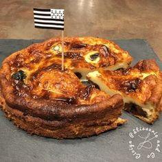 Bonjour :-) Je partage avec vous aujourd'hui ma recette de far breton aux pruneaux (ou sans pruneaux si vous préférez ;-) ) Il est vrai qu'à l'origine du far Breton, il n'y avait certes pas de pruneaux dans la recette traditionnelle mais cette variante...