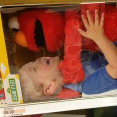 Proof of Elmo's pure murderous rage finally caught on camera