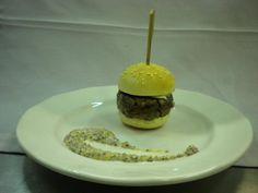 Minihamburguesa de solomillo de ternera con mostaza a la antigua