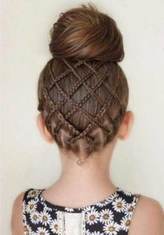 Fancy Little Girl Hairstyle with Braids. Fancy Little Girl Braids Hairstyl. - The Right Hair Styles Little Girl Braid Hairstyles, Little Girl Braids, Girls Braids, Fancy Hairstyles, Beautiful Hairstyles, Teenage Hairstyles, Beautiful Braids, Wedding Hairstyles, Hairdos