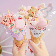 This stupid net Cute Desserts, Delicious Desserts, Dessert Recipes, Yummy Food, Unicorn Foods, Kawaii Dessert, Pink Foods, Rainbow Food, Milkshake Recipes