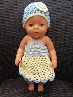 Baby Born Doll - Gratis patroon voor jurkje en mutsje Baby Born pop / free pattern dress and hat Baby Born doll Newborn Hats, Baby Hats, Crochet Dolls, Crochet Baby, Doll Patterns, Crochet Patterns, Baby Born Clothes, Baby Pop, Baby Boy Room Decor