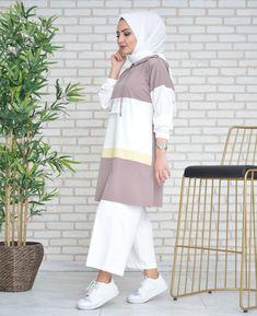 Hijab Style Dress, Modest Fashion Hijab, Street Hijab Fashion, Muslim Fashion, Fashion Outfits, Modest Dresses Casual, Stylish Dresses For Girls, Modest Outfits, Hijab Mode