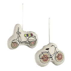 @Caitlin Low & @Jessica Chesbrough I want to make some little embroidered ornaments for next year! How fun :)
