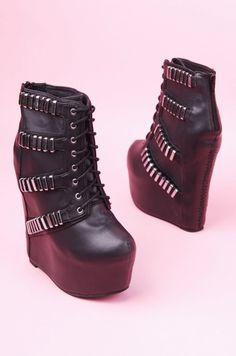 @Jacqueline Benabe manny said i can get these instead of boots lol