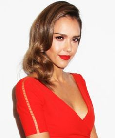 Jessica Alba Goes All Matchy-Matchy, & We Totally Dig It