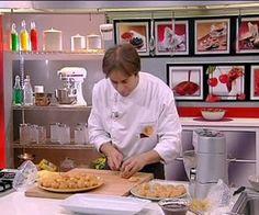 La ricetta dei bignè | Alice.tv Alice Tv, Cannoli, Pavlova, Biscotti, Buffet, Food Porn, Baking, Tutorial, Cake