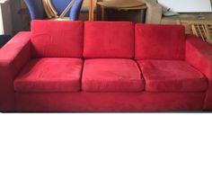 Iso punainen sohva