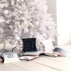 Are your x-mas gifts ready?!! // Ya están listos tus regalos de navidad?! Encuentra las opciones más irresistibles en www.toystyle.co & si estás en Medellín te invitamos a visitarnos en el primer piso del MALL DEL ESTE frente a los ascensores! Te esperamos!!! #toystyle #xmas #dear2017 #giftbox #gifts #magic #sparkle #shine #grateful #grounded #gorgeous