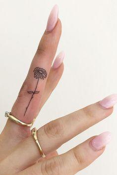 tattoos for women - tattoos for women ; tattoos for women small ; tattoos for moms with kids ; tattoos for guys ; tattoos with meaning ; tattoos for women meaningful ; tattoos on black women ; tattoos for daughters Finger Tattoo Designs, Finger Tattoo Ring, Inside Finger Tattoos, Flower Finger Tattoos, Finger Tattoo For Women, Hand Tattoos For Women, Tattoo Designs For Women, Simple Finger Tattoo, Cute Finger Tattoos
