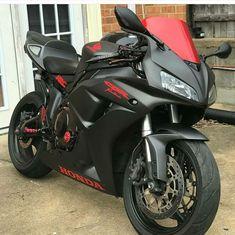 Honda cbr 1000 rr 2005 Honda Cbr 1000rr, Honda Cbr 600, Motos Honda, Ducati Motorcycles, Honda Sport Bikes, Image Moto, Bike Photoshoot, Moto Bike, Motorcycle Style