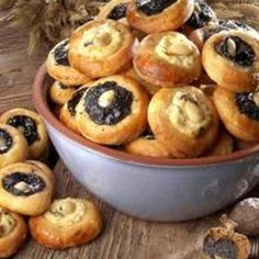 Czech Recipes, Cook Up A Storm, Sweet Life, Yummy Treats, Baking Recipes, Cravings, Muffin, Easy Meals, Food And Drink