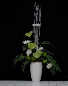 Rittners School of Floral Design offers outstanding diploma, hands-on workshop courses in Floral Designing and Flower Shop Management. Site also offers free flower arranging lessons, industry information and