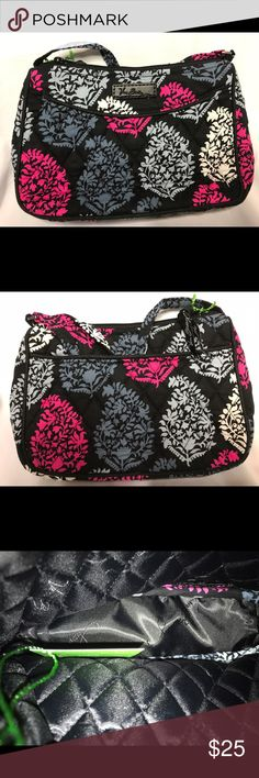 Vera Bradley Northern Lights Little Crossbody NWT This bag has a slip in pocket in the back exterior. There are no interior pockets. It a long adjustable strap. It's finished with a zippered closure. I have a couple of these. You will receive a Northern Lights Little Crossbody. This comes from a smoke free home! Vera Bradley Bags Crossbody Bags