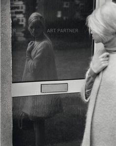 e5384711ad19 daphne groeneveld street mirror Collage Vintage, Svart Och Vitt, Speglar,  Lampor