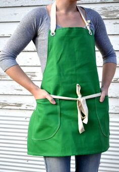 Canvas Utility Apron  - Love this and it would be sew easy to make!