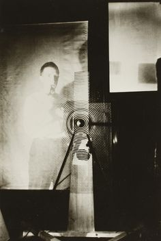 """last-picture-show: """"Man Ray, Marcel Duchamp behind the """"Rotary Glass Plates"""" in Motion, 1920 """" Man Ray Photographie, John Heartfield, Hans Richter, 1940s Photos, Francis Picabia, Conceptual Art, Action Painting, Alfred Stieglitz, American Artists"""