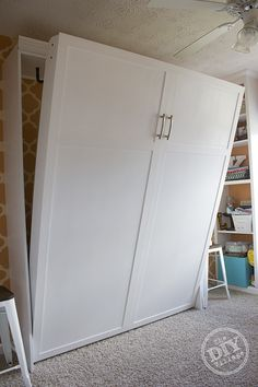 DIY Murphy Bed that most anyone can do. This is the perfect solution for small space or for making rooms multi-purpose!