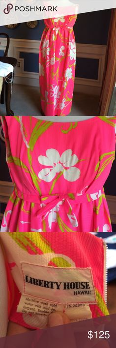 """Vintage 80's Hawaii House Bubblegum Pink Maxi This is truly a jewel among vintage dresses! going to Hawaii or staycation by the pool consider this empire waist w bow. B 36""""/ L 52""""/empire waist 30"""" Liberty House Hawaii Dresses Maxi"""